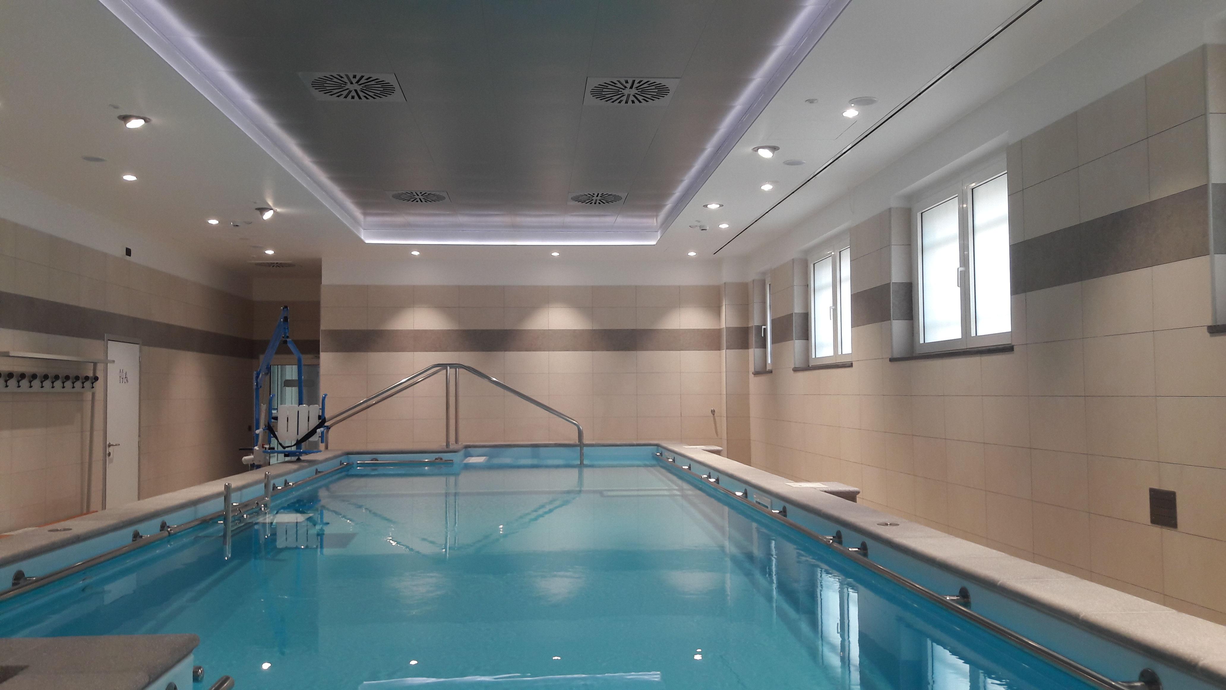 piscina larc mombarcaro